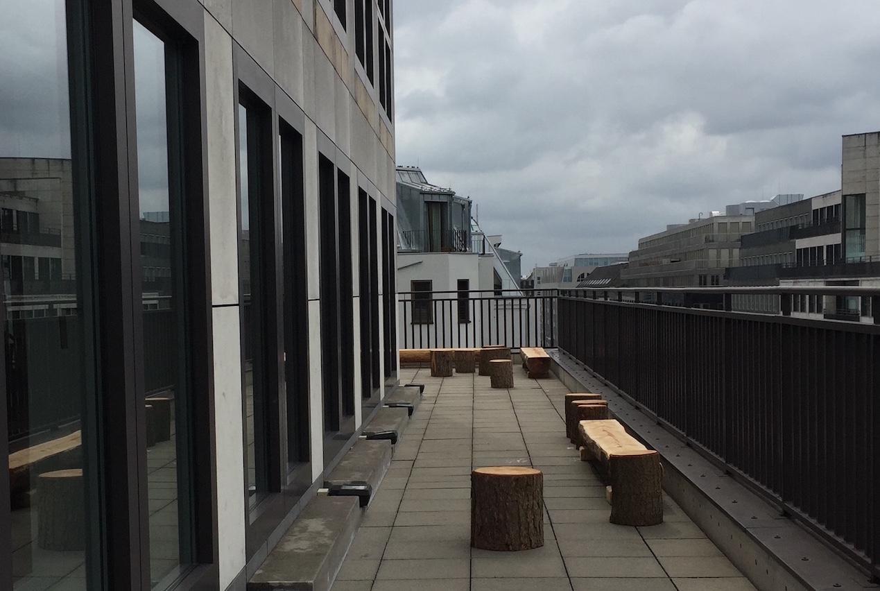 Terrasse mit Raucherecke